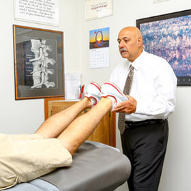 chiropractor-adjustment-Dearborn